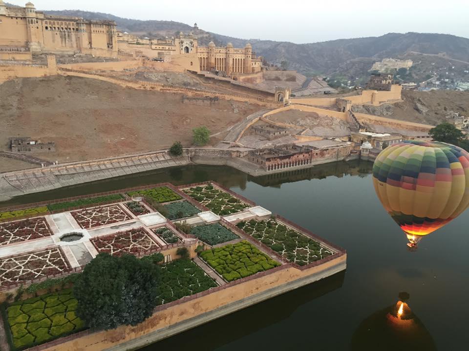 india-jaipur-ballon-travelgallerypr