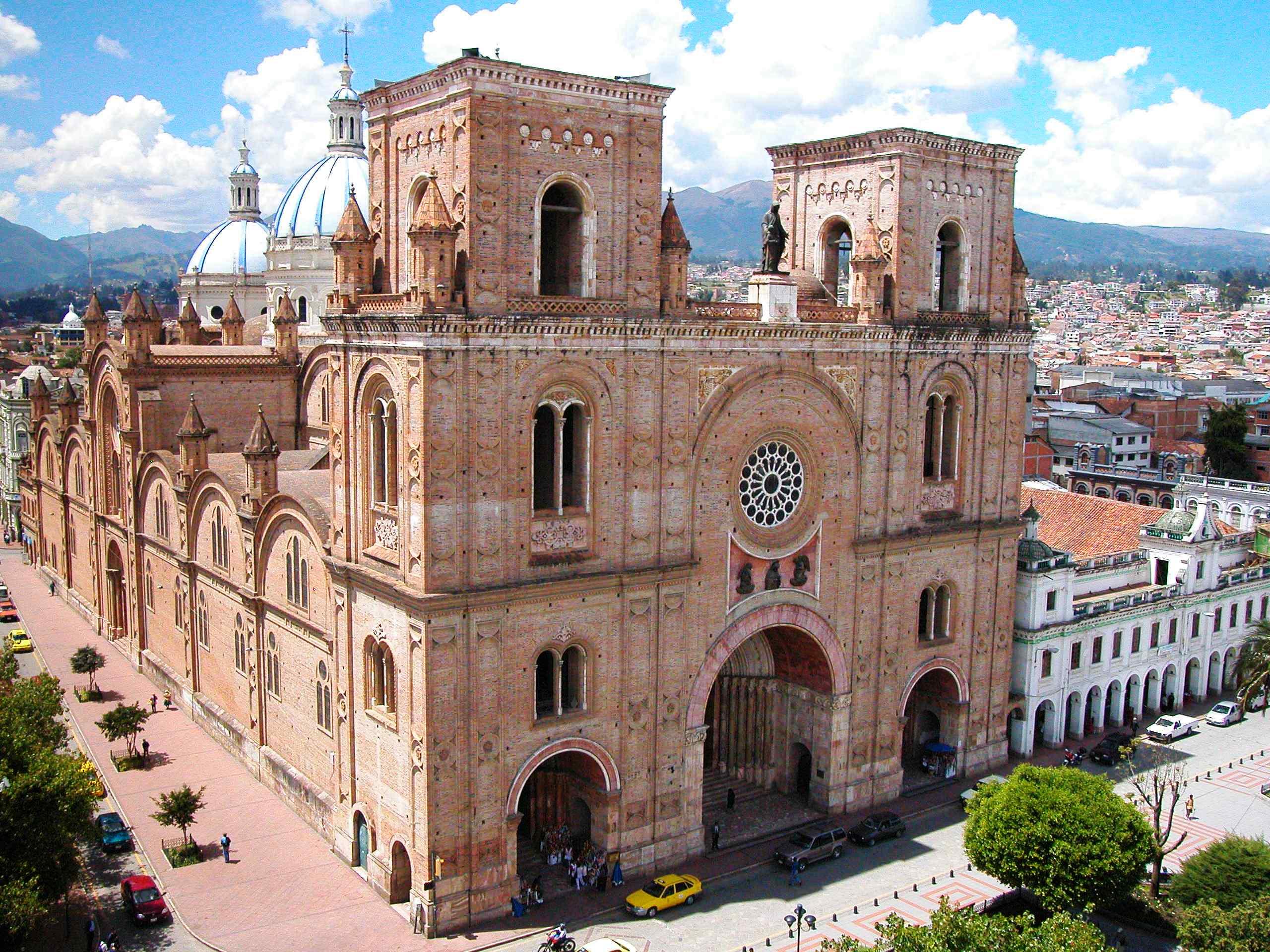 Catedral de Cuenca - Prov. Azuay - Esta catedral sin duda es un baluarte de la humanidad