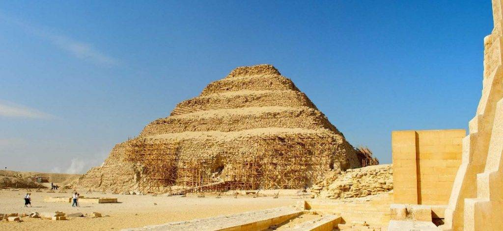 Tour-a-las-Pirámides-de-Egipto-Giza-Memphis-y-Saqqara-1024x471